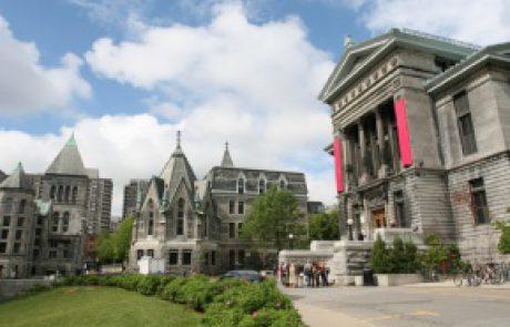 این تصویر یکی از دانشگاههای کانادا هست.